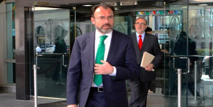 Senadores del PAN piden comparecencia de Videgaray