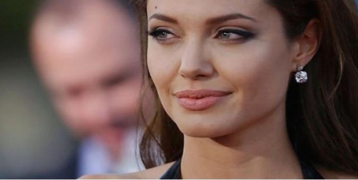 Angelina Jolie producirá película sobre los Jemeres Rojos