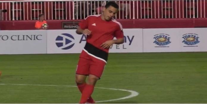 Omar Bravo debuta con la pólvora mojada en Tercera División de EU