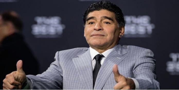 """""""El futbol argentino está quebrado, se lo llevó Grondona a la tumba"""": Maradona"""