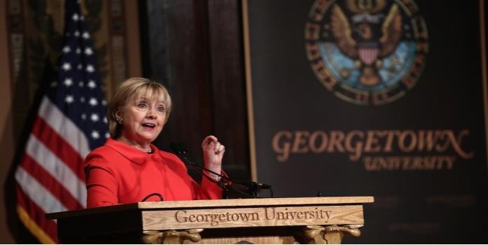 Hillary Clinton critica recortes presupuestales de Trump