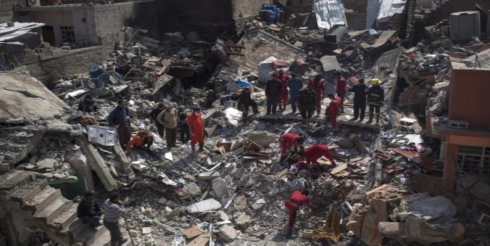 Reconoce EU bombardeo en Mosul que dejó más de 100 muertos