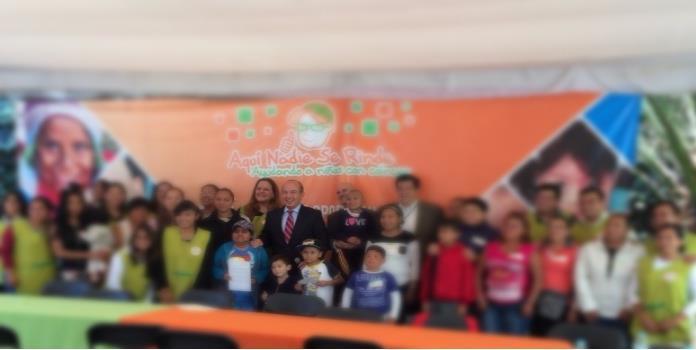 Calderón dona pensión presidencial a fundación