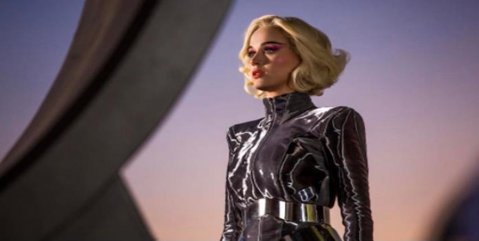 Muere fan de Katy Perry y ella le rinde tributo