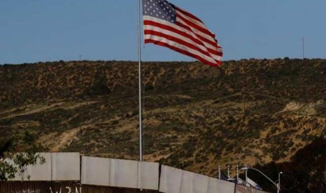Trump vuelve a hablar del muro; promete coste bajo