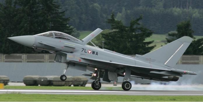 Demanda Austria a Airbus por 15 aviones militares
