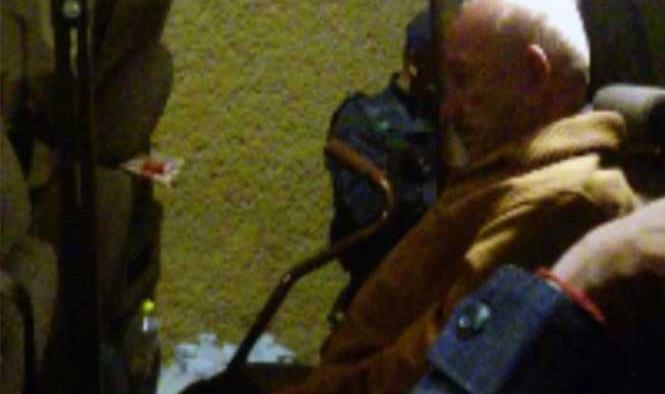 Abuelito pierde la cabeza; intenta matar a su esposa e incendia su casa