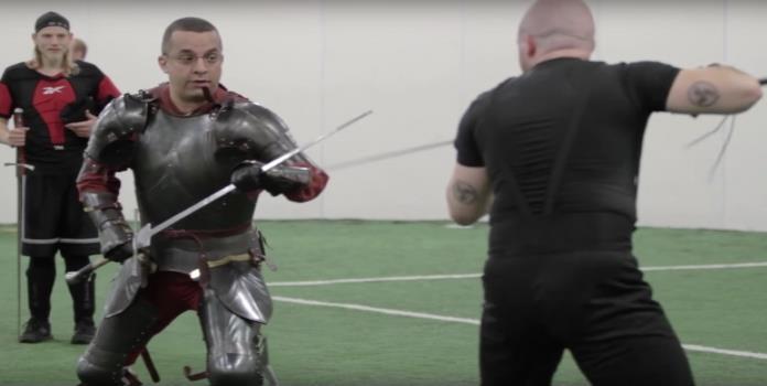 Documental muestra cómo es el combate real con espadas