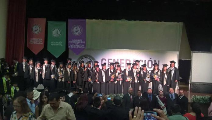Se gradúan alumnos del ITSM