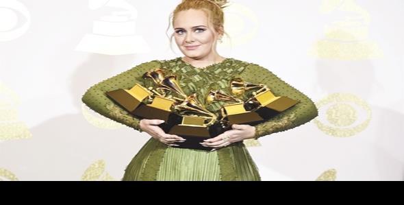 Arrasa Adele en los Grammy