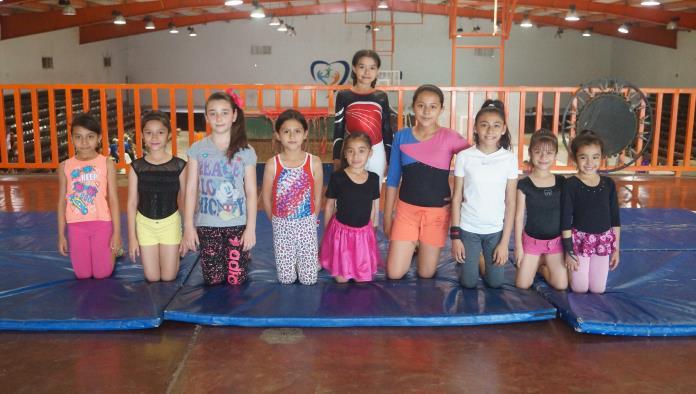 Grupo de gimnasia invitan a todas las infantes