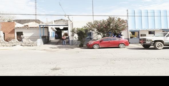 Dejan sin sueldo a empleados de agua Santa María