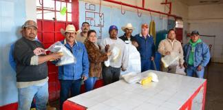 Equipan a empleados del rastro municipal