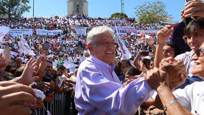 AMLO firma acuerdo con indígenas, maestros, empresarios y religiosos en Chiapas