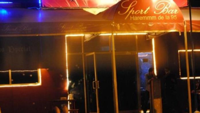 Atacan bar en Cancún; dejan narcomanta