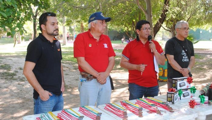 Realiza Xochipilli torneo de Ajedrez