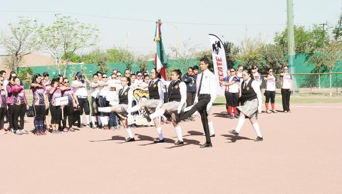 Inauguran Softbol Country Club