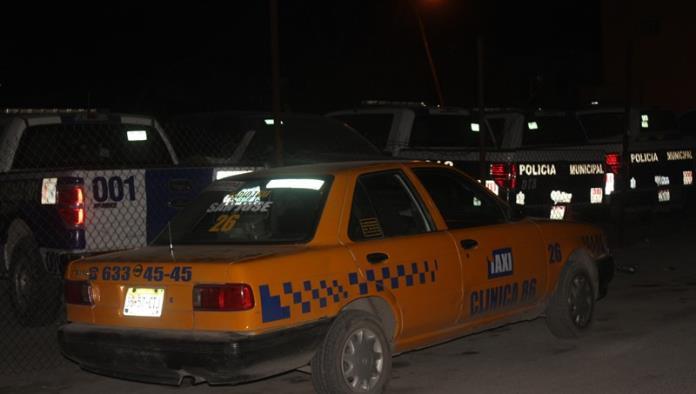Taxista trabajaba ebrio y choca