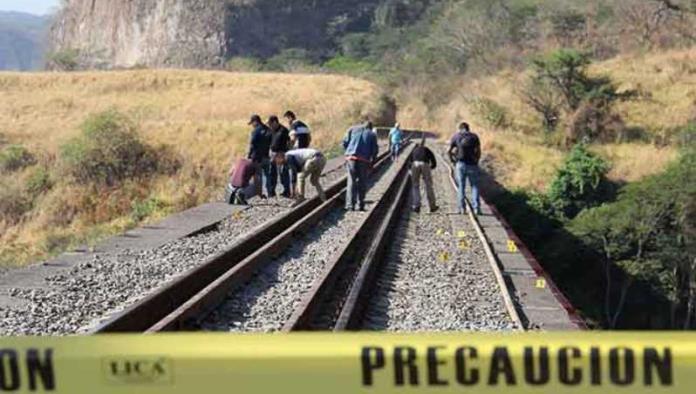Abandonan cadáveres en límites con Colima