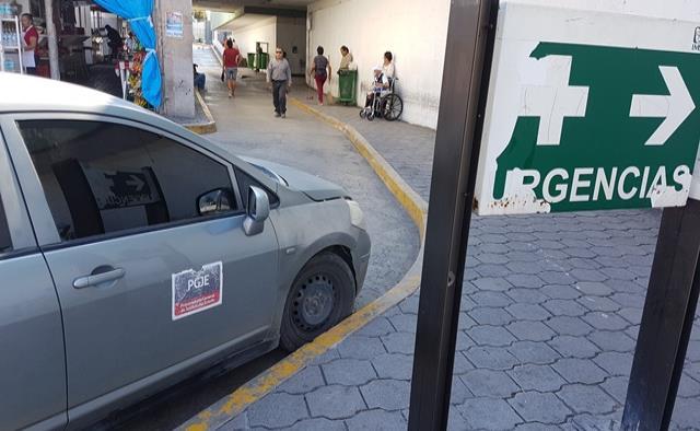 Vuelve robo de vehículos al exterior de clínica 7