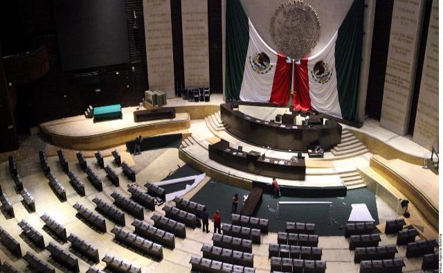 Balean en Manzanillo a diputado federal