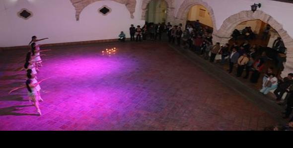 Presenta UA de C Exposición Backstage de Zenén Vizcaíno
