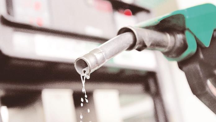 Bajan dos centavos precios de gasolinas