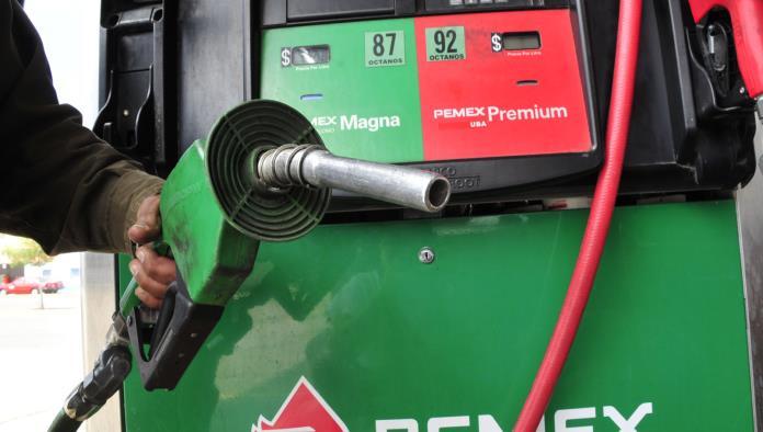 Prevén que Hacienda anuncie congelamiento en precios de gasolinas