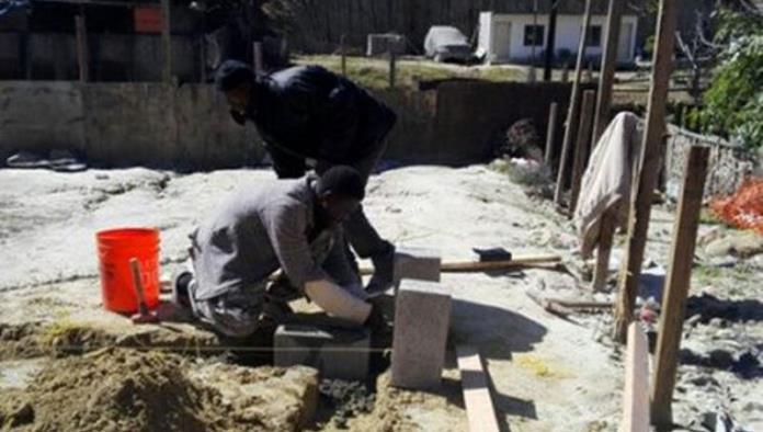 Migrantes haitianos varados tendrán su propia villa