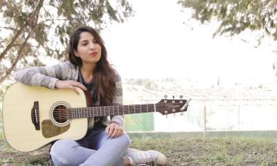 La joven soñadora que canta para Dios