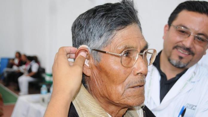 Recibirán aparatos auditivos