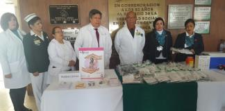 Vacunan en Feria de Salud