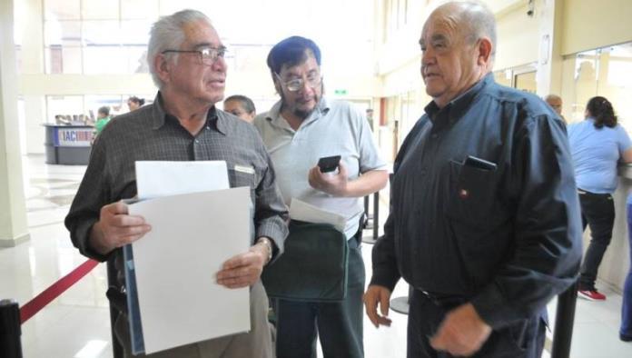 Exhorta Alcalde a pagar predial