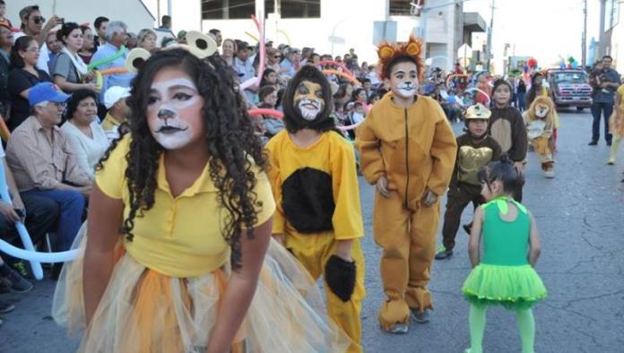 Fiesta de colores en el magno carnaval
