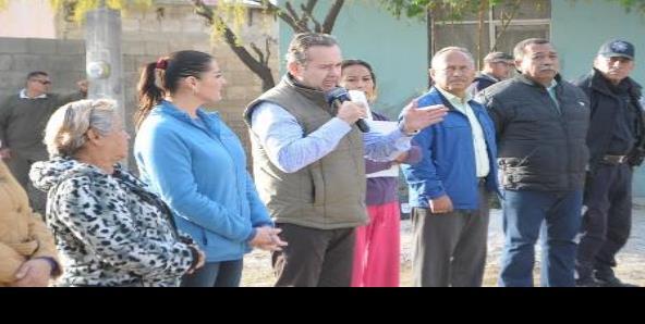 Entregan obras de agua en colonia La Amistad