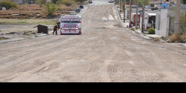 Llega pavimentación a Colinas de Santiago