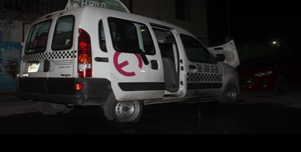 Investigan incendio de taxi para discapacitados