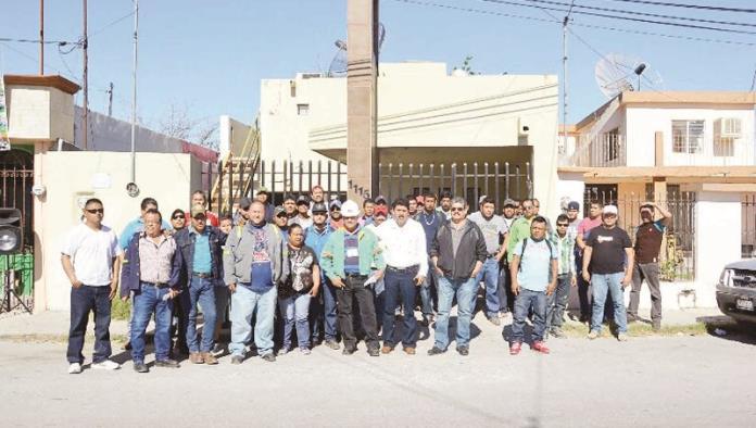 Suspenden labores 50 obreros en AHMSA