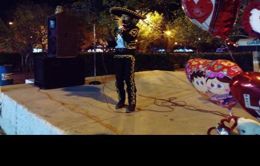 Festeja Frontera velada romántica