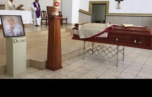 Dan el último adiós al padre Antonio Elizondo