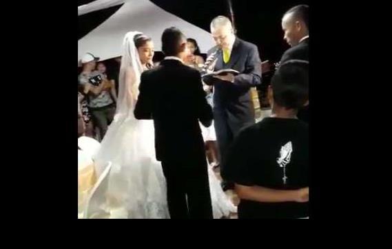 """Video: Justo cuando novios iban a dar el """"sí"""", les cae techo encima"""