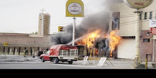 Se incendia Tacos Checo