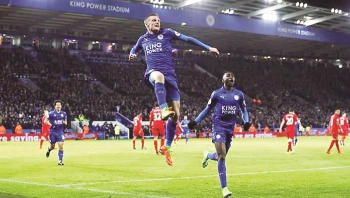 Vuelve Vardy, y Leicester ganar y anota