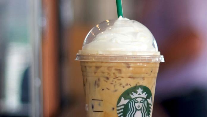 Starbucks dice adiós a popotes de plástico ¡a nivel mundial!