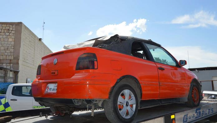 Viajaba a bordo de un automóvil  marca Volkswagen color anaranjado por las calles de la colonia Independencia de forma sospechosa.