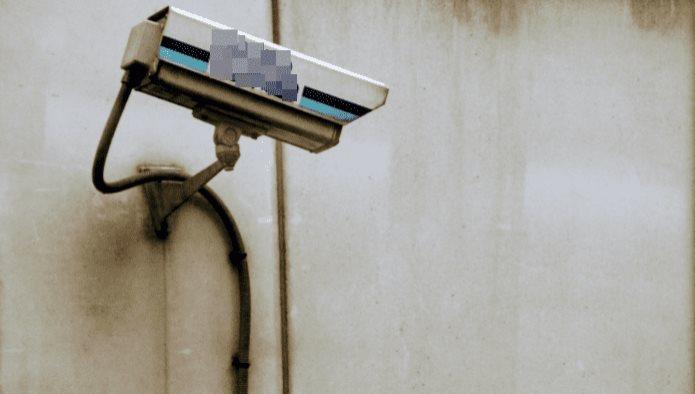 Coloca cámaras en casa y entiende por qué su hija tiene miedo