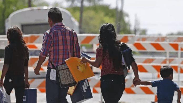 Los 34 niños que fueron entregados ayer a sus padres se suman a los 4 que previamente ya habían sido reunificados; faltan de entregar 64 niños menores de cinco años