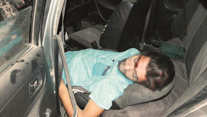 ¡Se mata taxista!