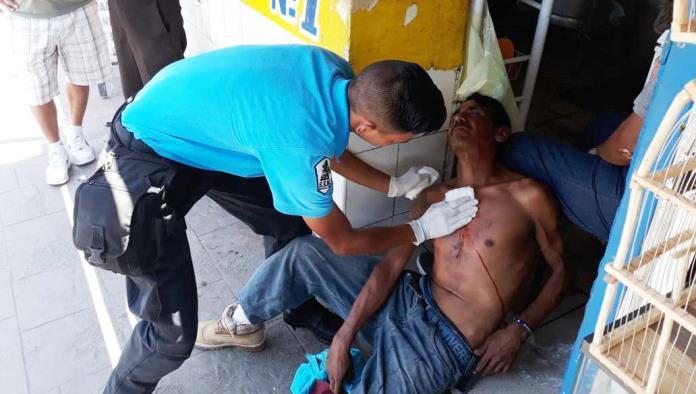 El lesionado fue atendido por socorristas del grupo SEM.