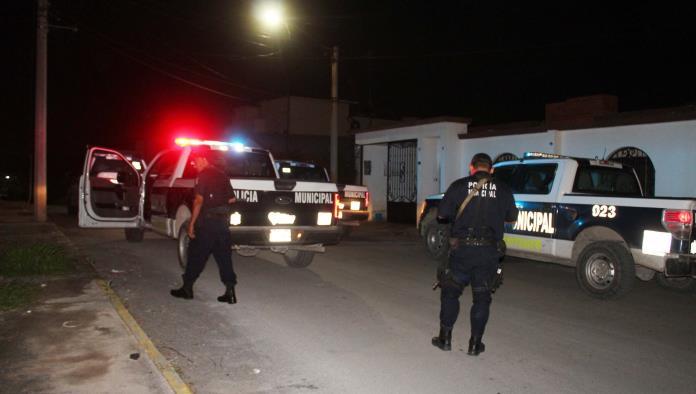 Elementos preventivos acudieron al reporte pero no lograron atrapar a los dos delincuentes.